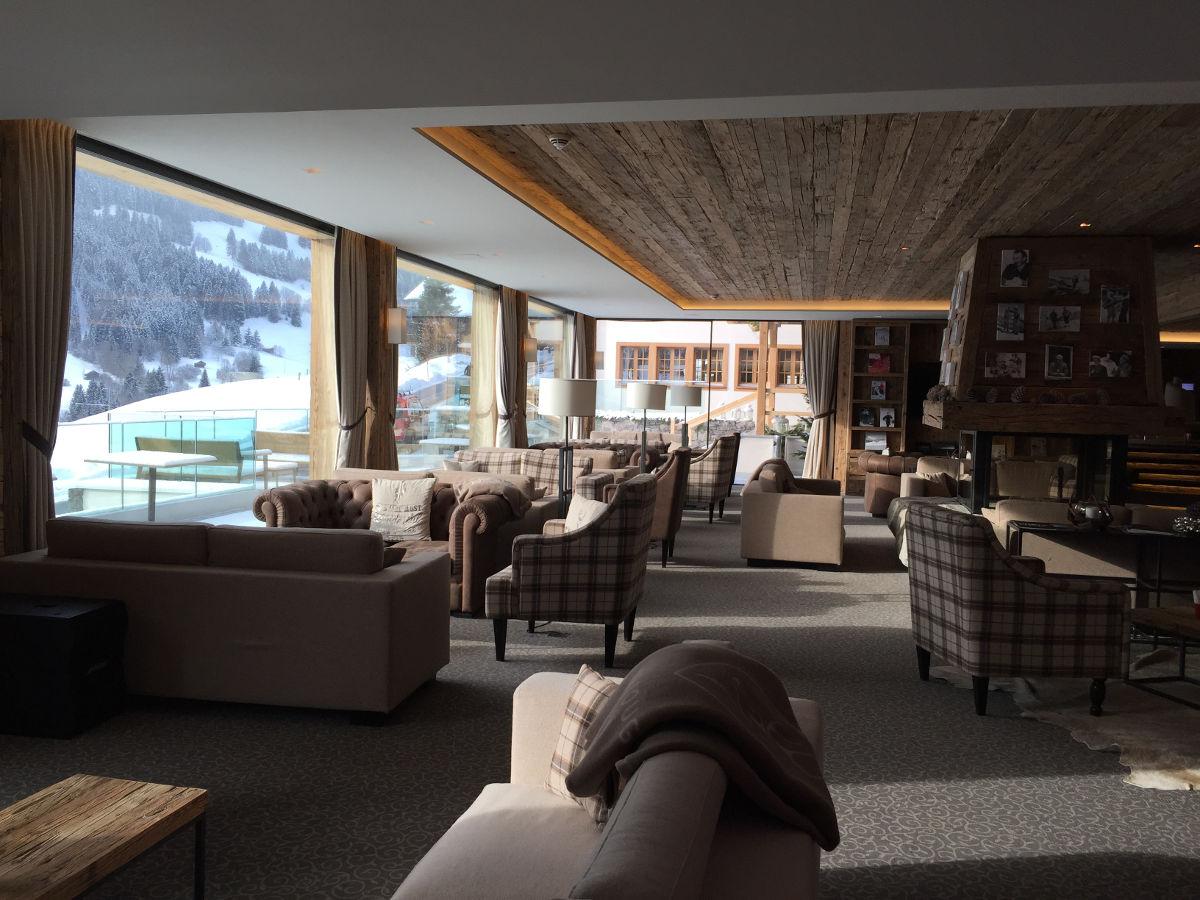 Arredamento hotel brescia design per alberghi e b b for Arredi per alberghi e hotel