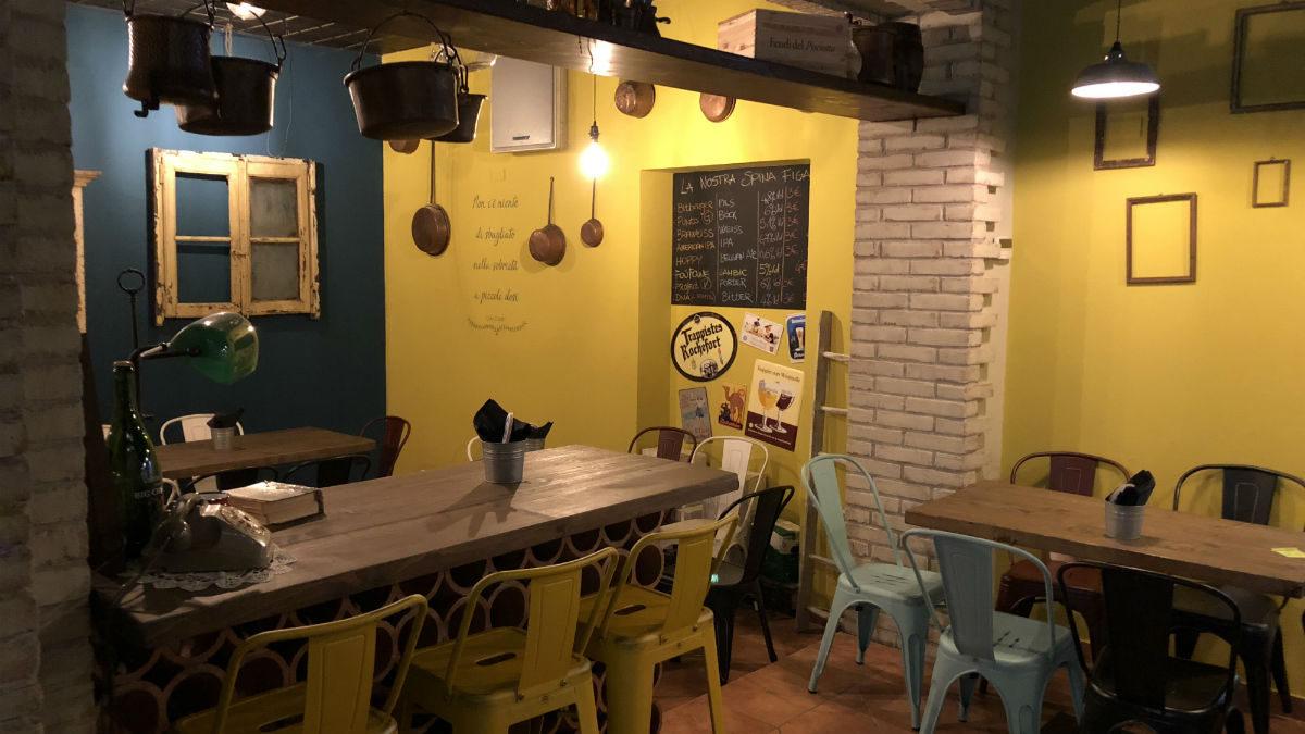 Arredamento Pub E Birrerie Banchi Frigoriferi Tavoli Sedie